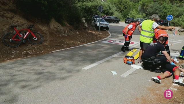 Ferit+un+ciclista+despr%C3%A9s+de+xocar+contra+un+totterreny