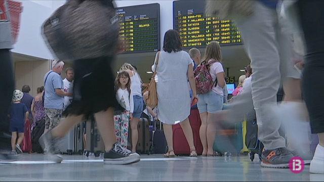 Un+vol+Eivissa-Palma+torna+a+l%27aeroport+eivissenc+per+problemes+t%C3%A8cnics