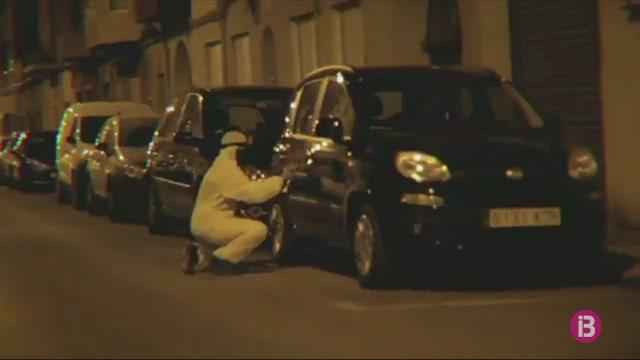ARRAN+destrossa+dos+cotxes+de+lloguer+a+Palma