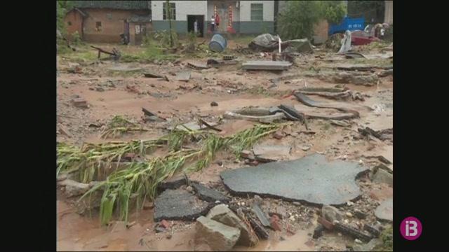 Almenys+tres+persones+han+mort+per+inundacions+a+la+Xina