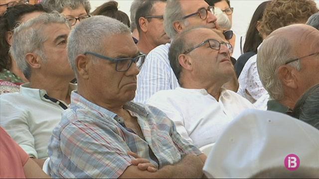 La+general+Patricia+Ortega+participa+a+les+tert%C3%BAlies+des+Mercadal