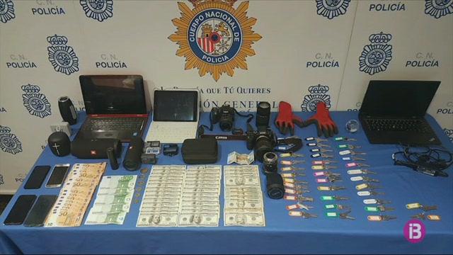 Detinguts+dos+joves+acusats+de+robatoris+amb+for%C3%A7a+a+apartaments+vacacionals+de+Palma