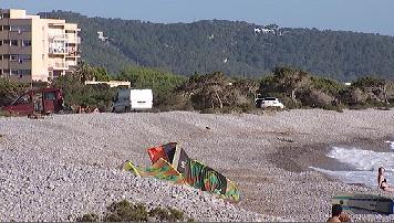 El+Govern+aixeca+dues+actes+per+la+pres%C3%A8ncia+de+vehicles+estacionats+a+la+platja+des+Codolar