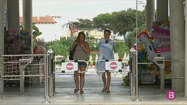 Els+dos+parcs+aqu%C3%A0tics+amenacen+amb+reclamacions+milion%C3%A0ries+al+Consell+de+Menorca