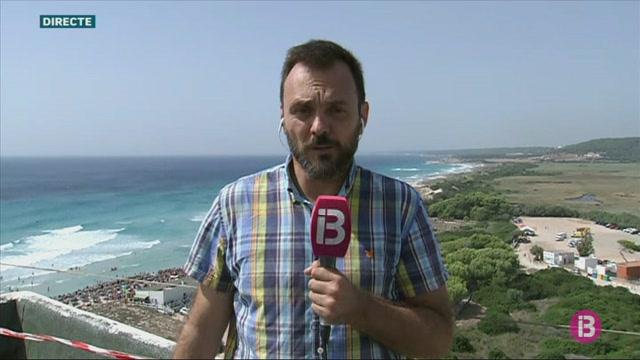 Milers+de+persones+s%27apleguen+a+Son+Bou+per+seguir+el+primer+Festival+Aeri+de+Menorca