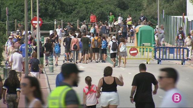 Milers+de+persones+xalen+amb+l%27espectacle+del+50+aniversari+de+l%27aeroport+de+Menorca