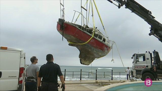 Sant+Josep+mira+de+recuperar+les+platges+afectades+pel+temporal
