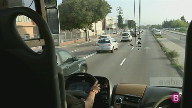 Pocs+treballadors+fan+servir+el+bus+llan%C3%A7adora+del+pol%C3%ADgon+de+Son+Castell%C3%B3