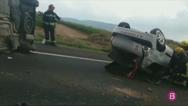 Dos+ferits+lleus+en+un+accident+de+tr%C3%A0nsit+a+l%27autopista+d%27Inca