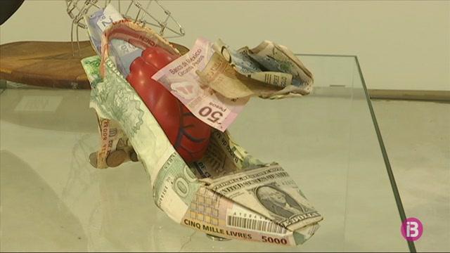 Escultures+de+sabates+de+l%27artista+cubana+Liudmilla+L%C3%B3pez