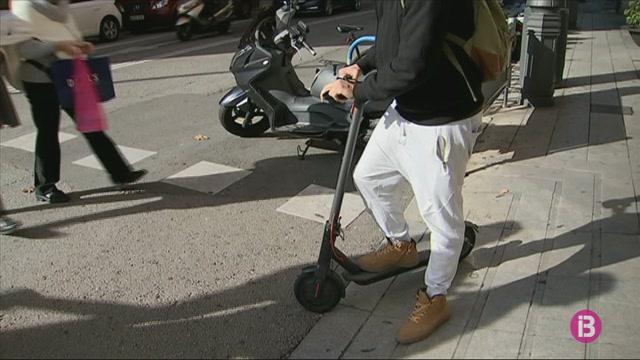 La+Policia+Local+de+Palma+ha+multat+prop+de+150+patinets+i+motos+el%C3%A8ctriques