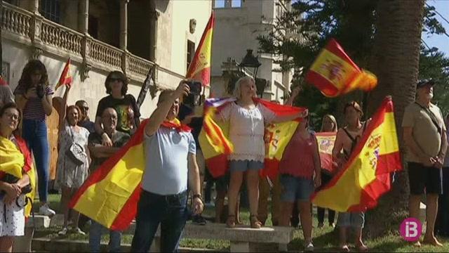 Centenars+de+persones+es+manifesten+a+Palma+per+la+defensa+de+la+unitat+d%27Espanya