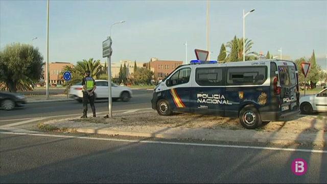 Desplegament+policial+a+Son+Castell%C3%B3+en+previsi%C3%B3+d%27una+protesta+independentista