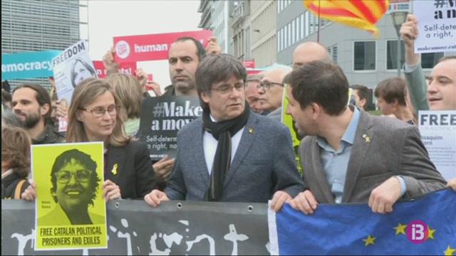 Puigdemont+compareix+de+manera+volunt%C3%A0ria+davant+les+autoritats+belgues
