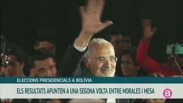 El+resultats+de+les+eleccions+presidencials+a+Bol%C3%ADvia+apunten+a+una+segona+volta+entre+Evo+Morales+i+Carlos+Mesa