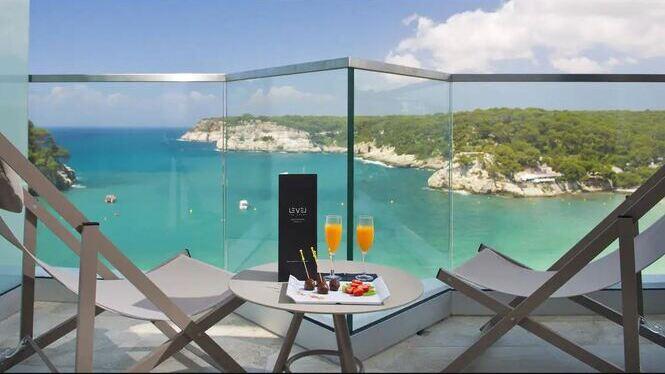 Meli%C3%A0+enceta+la+temporada+i+obre+sis+hotels+a+les+Illes