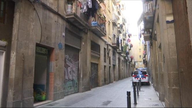 Detingut+un+home+acusat+d%27agredir+una+dona+a+Barcelona