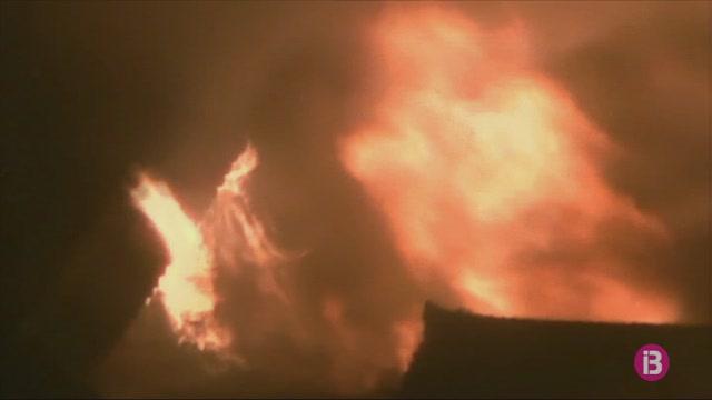 El+castell+Shuri+d%27Okinawa%2C+destru%C3%AFt+per+un+incendi