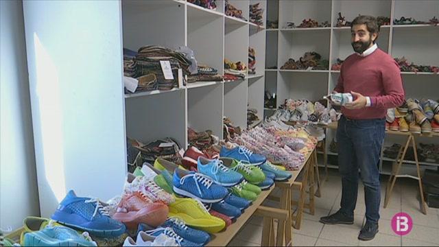Les+sabates+esportives+guanyen+terreny+a+les+col%C2%B7leccions+dels+fabricants+de+cal%C3%A7at+menorquins