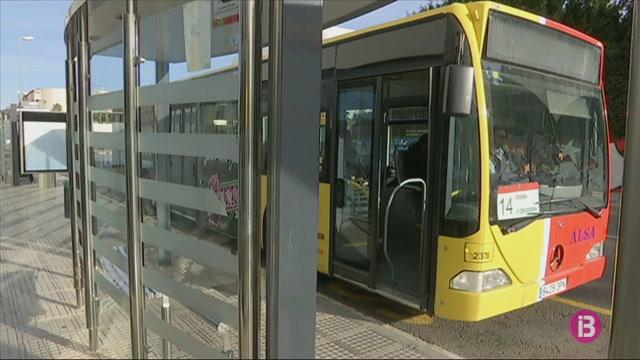 Els+usuaris+transport+p%C3%BAblic+a+Eivissa+es+queixen+de+manca+d%27informaci%C3%B3+i+de+puntualitat+dels+autobusos