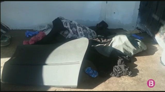 La+Gu%C3%A0rdia+Civil+det%C3%A9+un+home+a+Ceuta+per+transportar+52+migrants+en+una+furgoneta