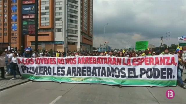 Milers+de+colombians+es+manifesten+contra+la+pol%C3%ADtica+econ%C3%B2mica+i+social+del+govern
