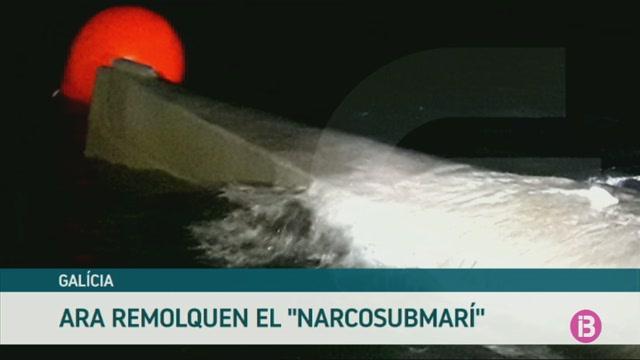 Remolquen+el+narcosubmar%C3%AD+carregat+amb+3.000+quilos+de+coca%C3%AFna