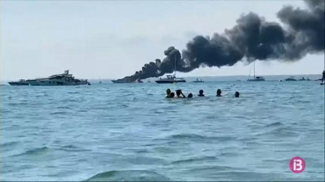 El+iot+cremat+a+la+platja+des+Trenc+i+enfonsat+a+50+metres+ser%C3%A0+un+delicte