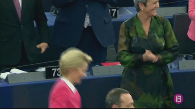 Llum+verda+del+Parlament+Europeu+a+la+Comissi%C3%B3+Europea+presidida+per+l%27alemanya+Ursula+von+der+Leyen