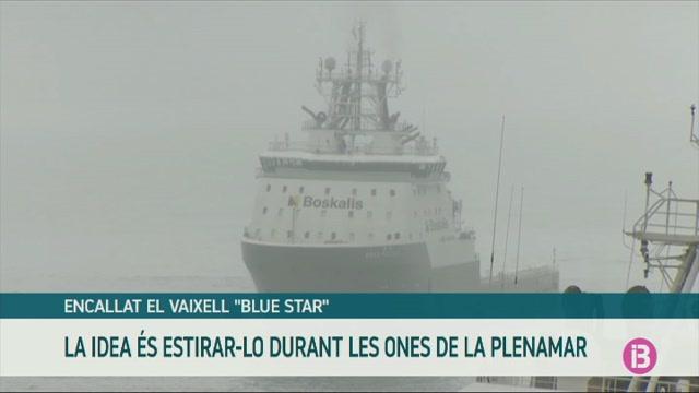 Continua+encallat+el+vaixell+%26%238216%3BBlue+Star%27