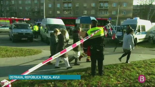 6+morts+i+dos+ferits+en+un+tiroteig+a+un+hospital+de+la+Rep%C3%BAblica+Txeca