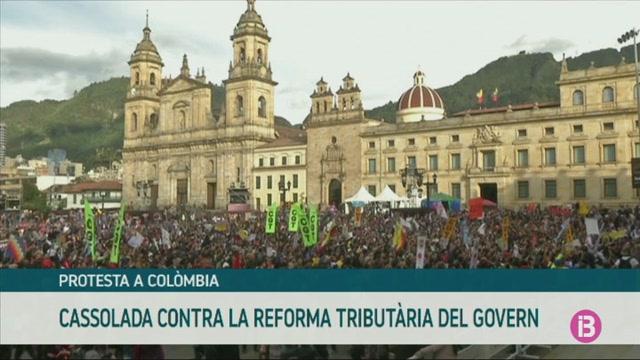 Cassolada+contra+la+reforma+tribut%C3%A0ria+del+govern+colombi%C3%A0