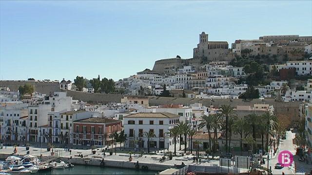 Detinguda+una+dona+de+53+anys+a+Eivissa+per+agredir+a+la+seva+ve%C3%AFna+amb+un+bat+de+beisbol