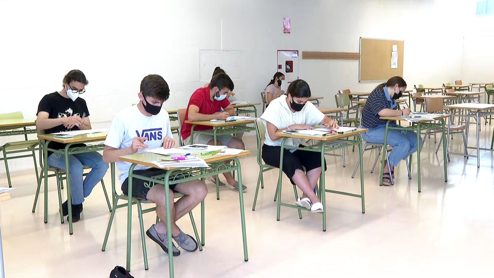 449+alumnes+de+Menorca+comencen+les+proves+de+Selectivitat