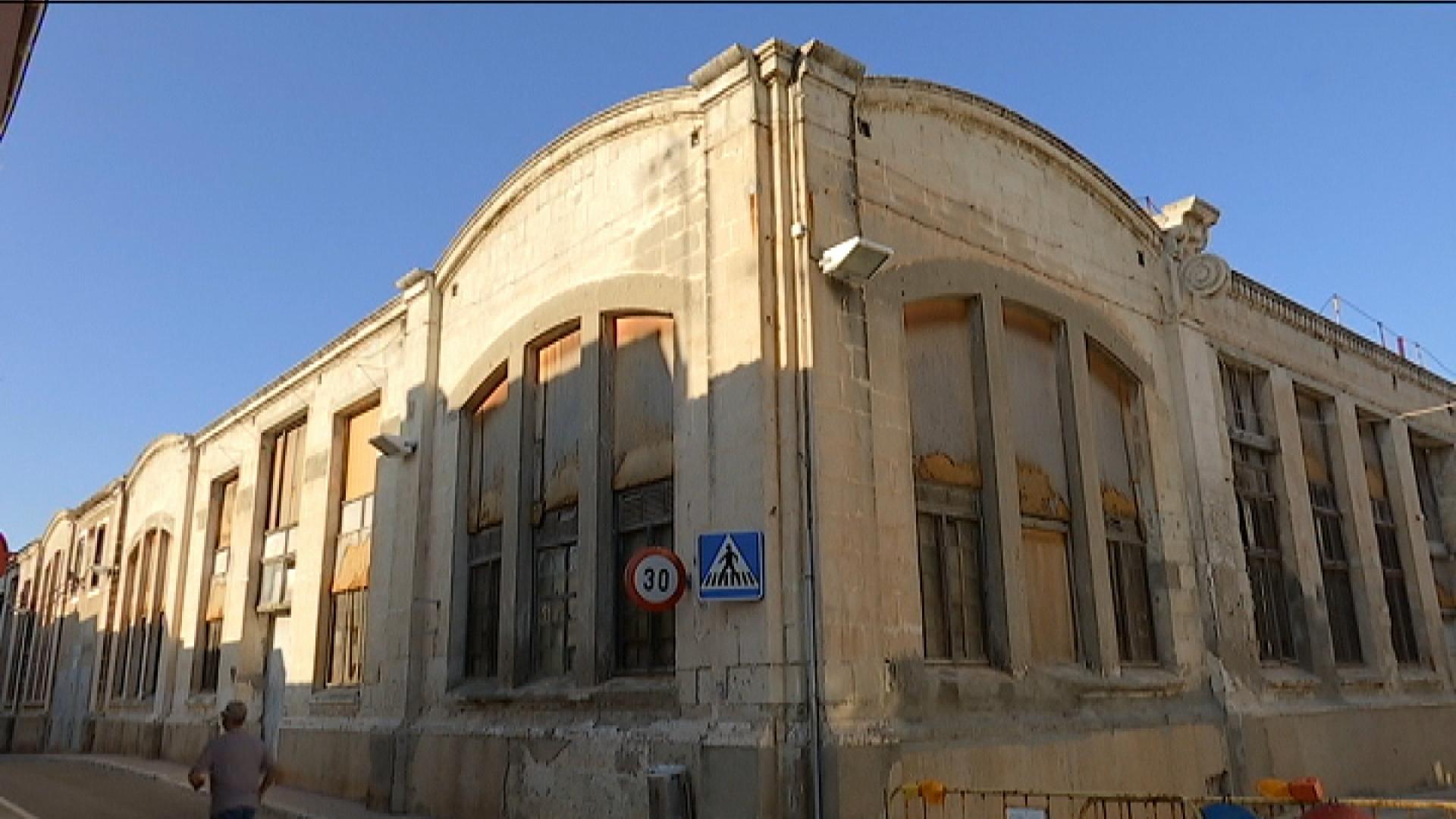 Menorca+importa+un+model+aragon%C3%A8s+per+donar+un+%C3%BAs+temporal+a+solars+i+edificis+buits