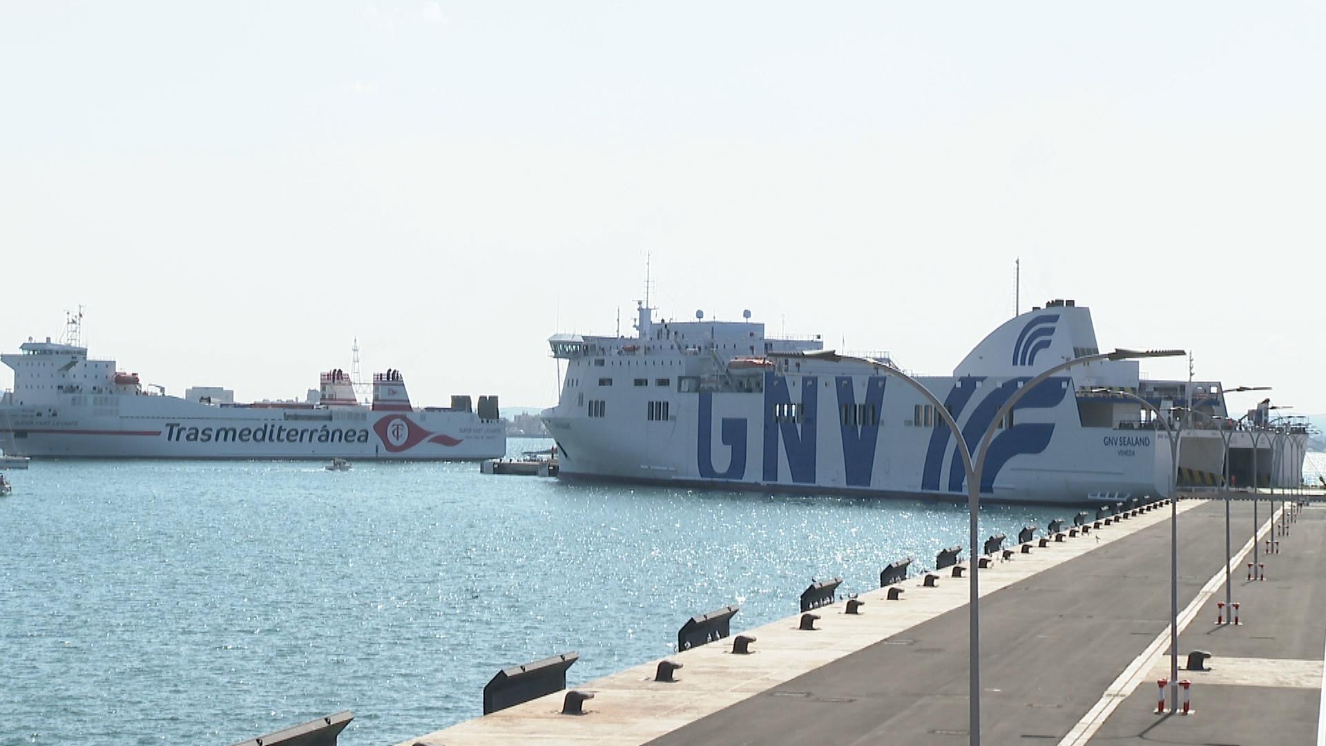 La+naviliera+italiana+GNV+comen%C3%A7a+a+operar+a+les+Illes
