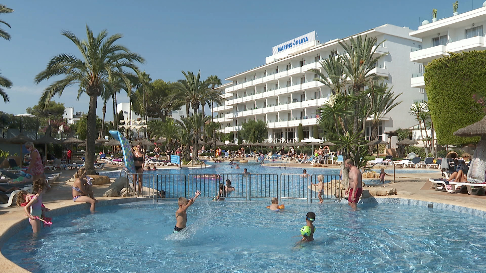 Els+hotelers+de+la+zona+de+costa+de+Cala+Millor+tanquen+l%26apos%3Bagost+amb+un+60%2525+d%26apos%3Bocupaci%C3%B3
