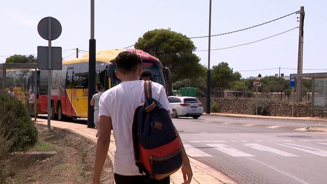 Menorca+demanar%C3%A0+al+Govern+300.000+euros+per+garantir+la+gratu%C3%AFtat+del+transport+p%C3%BAblic+interurb%C3%A0+als+menors+de+fins+a+16+anys