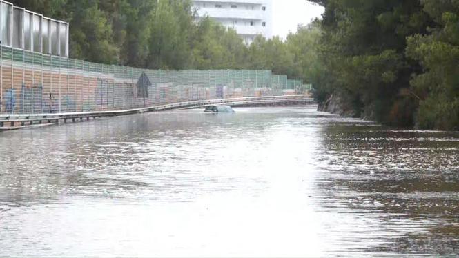 La+gota+freda+deixa+importants+inundacions+al+Port+d%26apos%3BAlc%C3%BAdia%2C+Platges+de+Muro+i+Alc%C3%BAdia