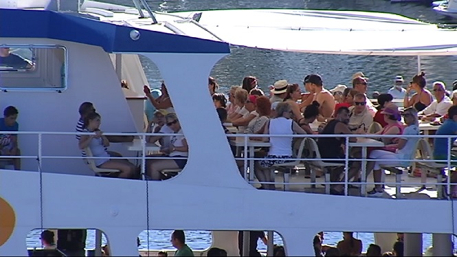 El+nou+ministre+de+Turisme+rebutja+posar+un+l%C3%ADmit+a+l%27arribada+de+turistes+a+les+Balears