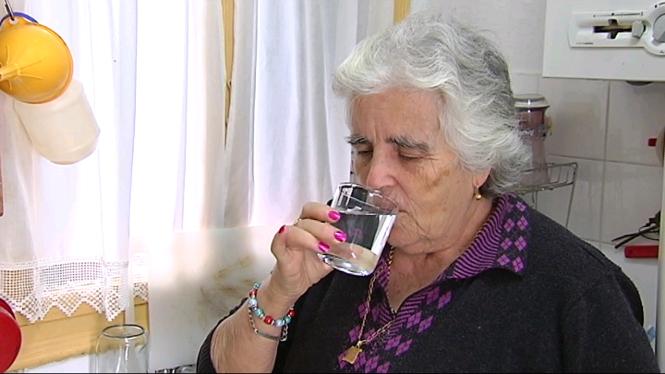 Ja+es+pot+beure+aigua+de+l%27aixeta+a+Es+Castell