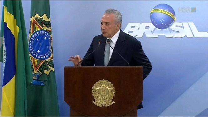 El+president+del+Brasil+s%27aferra+al+c%C3%A0rrec+davant+les+peticions+de+dimissi%C3%B3