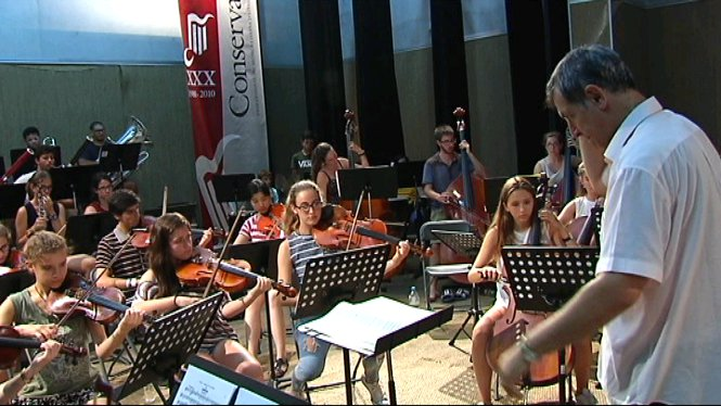 La+Jove+Orquestra+Simf%C3%B2nica+d%27Eivissa+realitza+els+darrers+assajos+abans+de+la+Tercera+Trobada+Orquestral