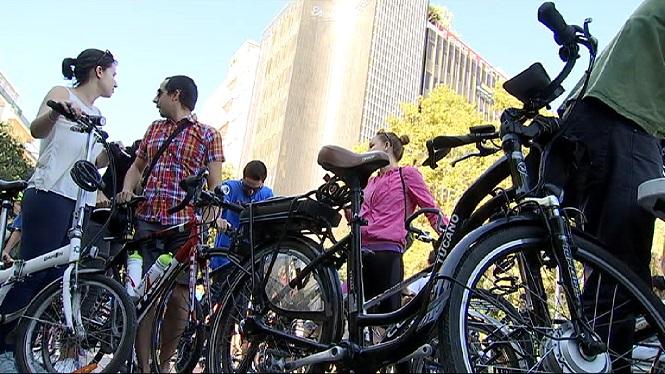 Un+nou+carril+bici+podria+unir+Cala+Blava+fins+a+Tolleric+per+donar+m%C3%A9s+seguretat+als+ciclistes+i+als+conductors