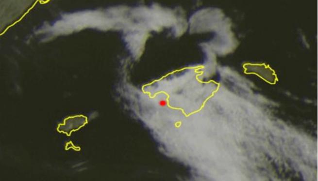 Una+capa+de+boira+densa+envaeix+tot+Mallorca+i+endarrereix+els+vols+de+Palma