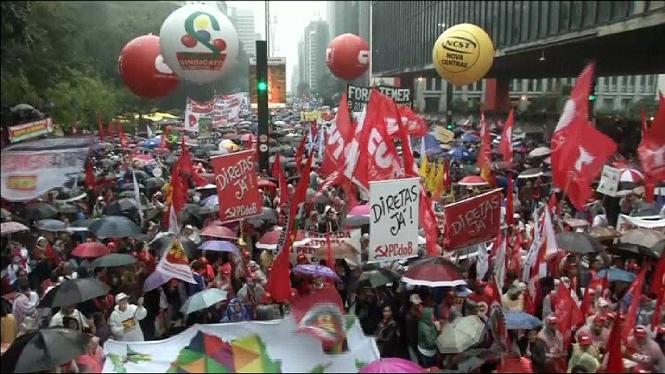 El+president+del+Brasil+insisiteix+que+no+renunciar%C3%A0