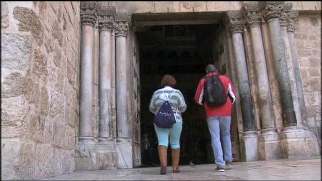 Reobre+la+Bas%C3%ADlica+del+Sant+Sepulcre+de+Jerusalem