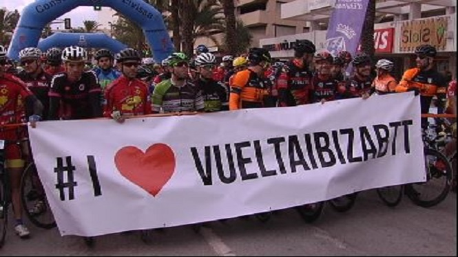 Comen%C3%A7a+la+Volta+cicloturista+a+Formentera+en+BTT