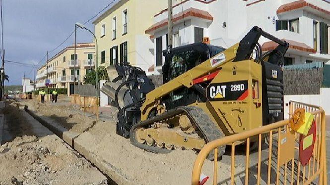El+principal+carrer+des+Castell%2C+tancat+dues+setmanes+per+obres