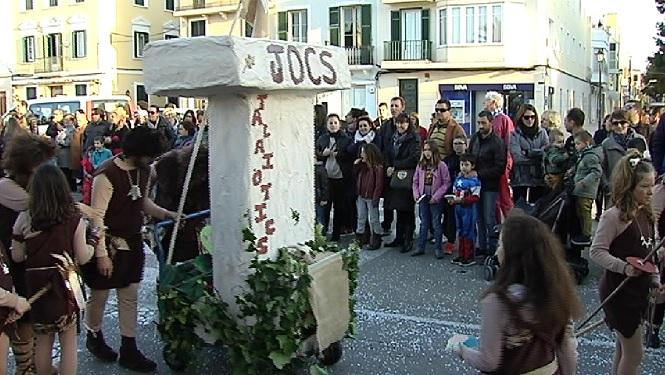 Els+talai%C3%B2tics+tamb%C3%A9+surten+a+celebrar+el+carnaval+a+Ciutadella